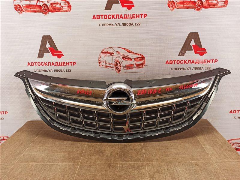 Решетка радиатора Opel Zafira - C (2011-2015)