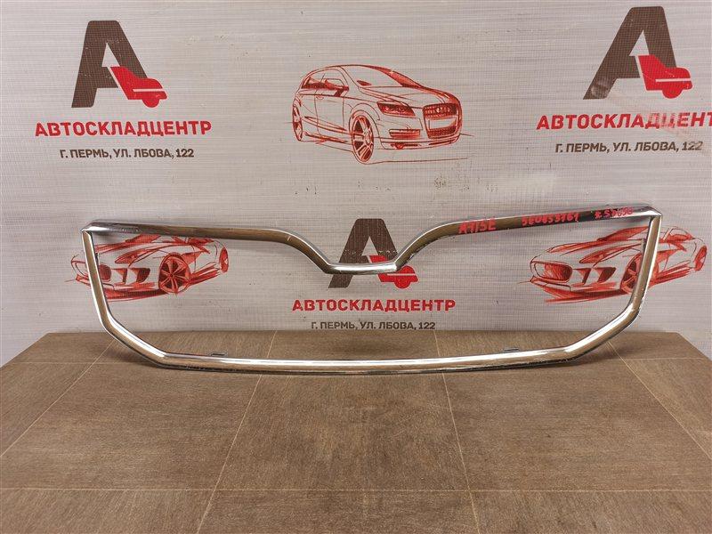 Решетка радиатора - молдинг Skoda Octavia (2012-2020) 2012