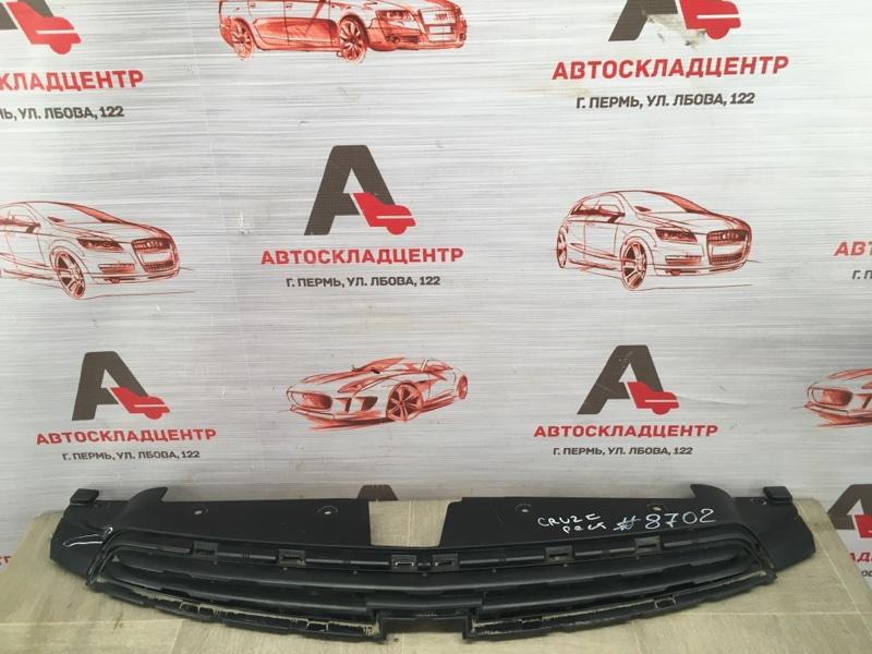 Решетка радиатора Chevrolet Cruze 2012 верхняя