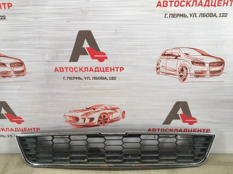 Решетка радиатора Chevrolet Aveo 2012-2015 верхняя