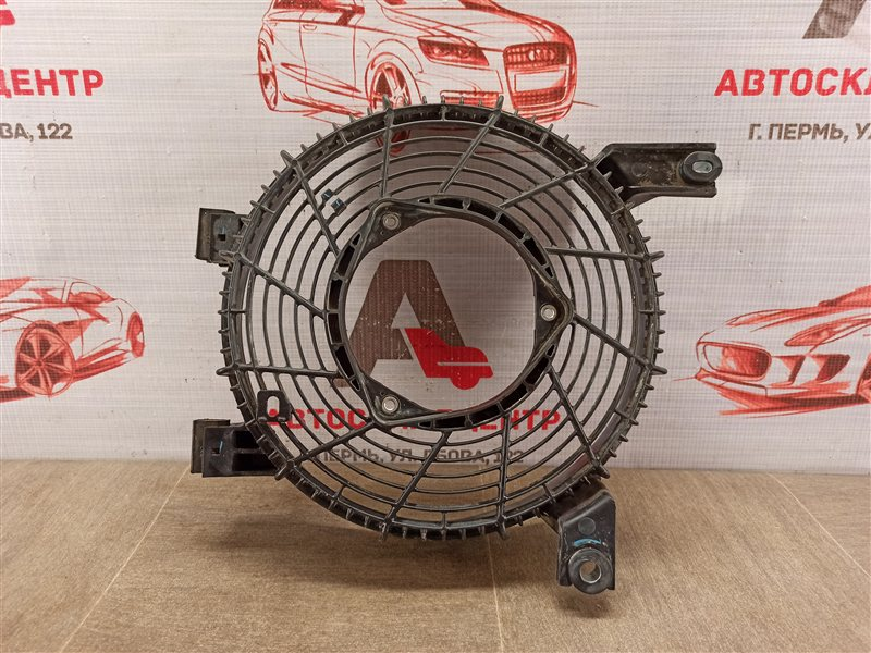 Диффузор радиатора кондиционера (конденсера) Toyota Land Cruiser Prado 150 (2009-Н.в.)