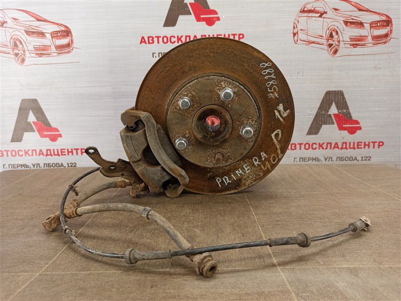 Цапфа колеса (поворотный кулак) Nissan Primera (2001-2008) передняя левая