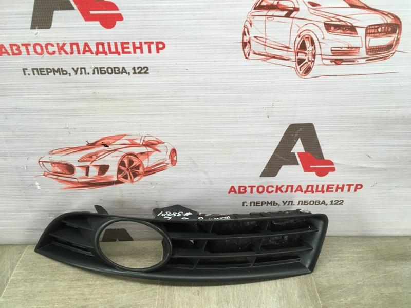 Накладка противотуманной фары / ходового огня Volkswagen Passat (B6) 2005-2010 левая