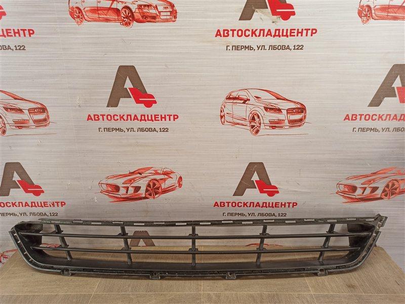 Решетка бампера переднего Hyundai Santa-Fe (2012-2019) 2015