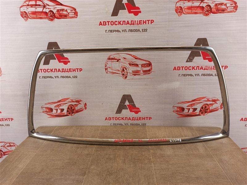 Решетка радиатора - молдинг Mitsubishi Outlander (2005-2012) 2010
