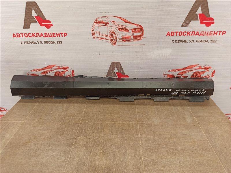 Абсорбер (наполнитель) бампера переднего Toyota Hilux (2015-Н.в.)
