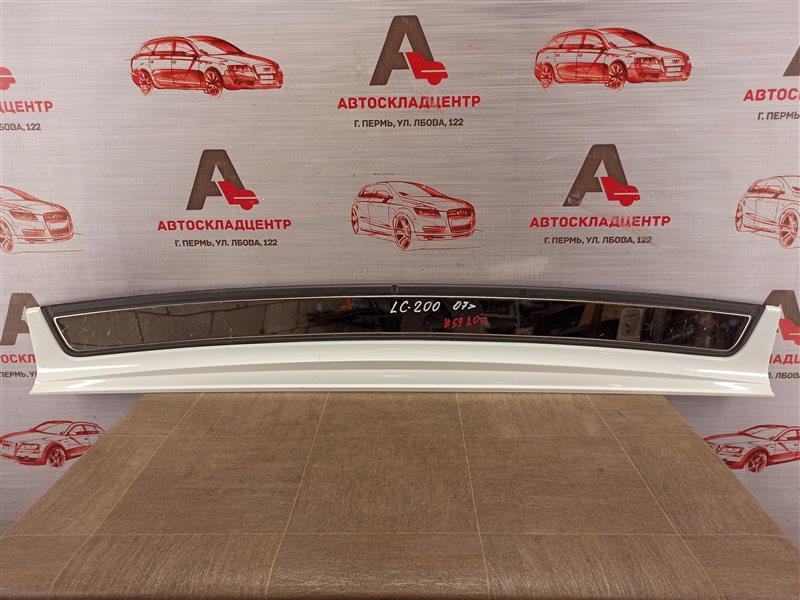 Накладка бампера заднего Toyota Land Cruiser 200 (2007-Н.в.)