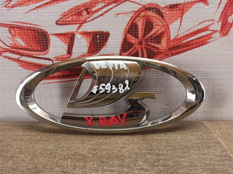 Эмблема (значок) Lada Vesta