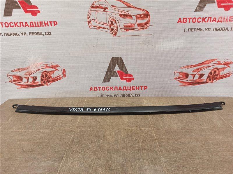 Решетка бампера переднего - молдинг Lada Vesta
