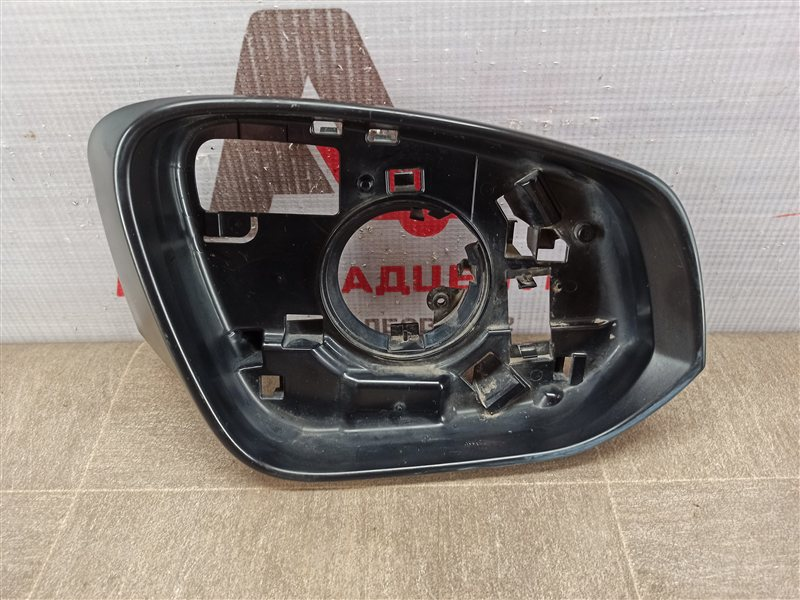 Зеркало правое - рамка (окантовка) Toyota Rav-4 (Xa40) 2012-2019