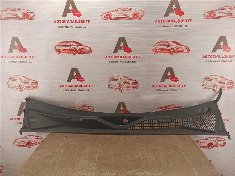 Накладка ветрового стекла (жабо) Volkswagen Amarok (2010-Н.в.)