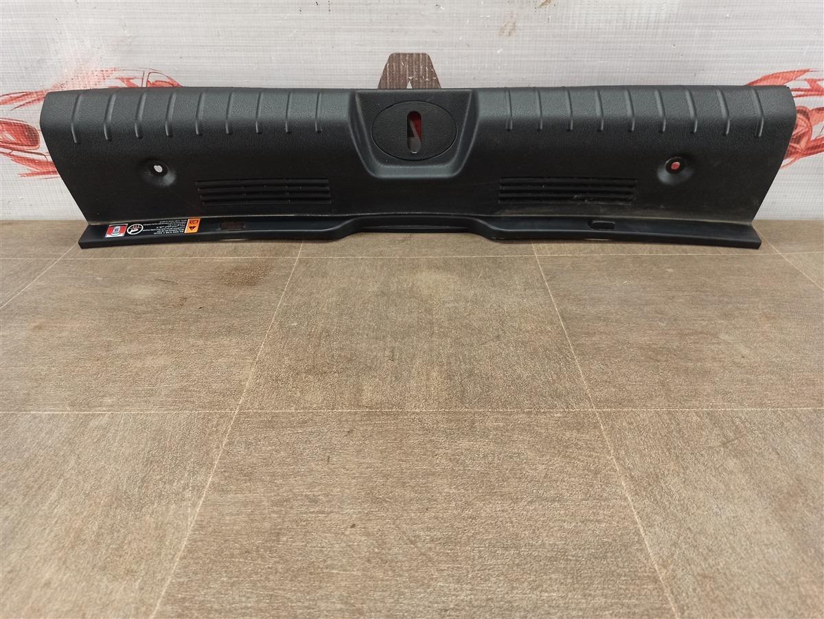 Обшивка багажника - панель задка Kia Stinger (2017-Н.в.)
