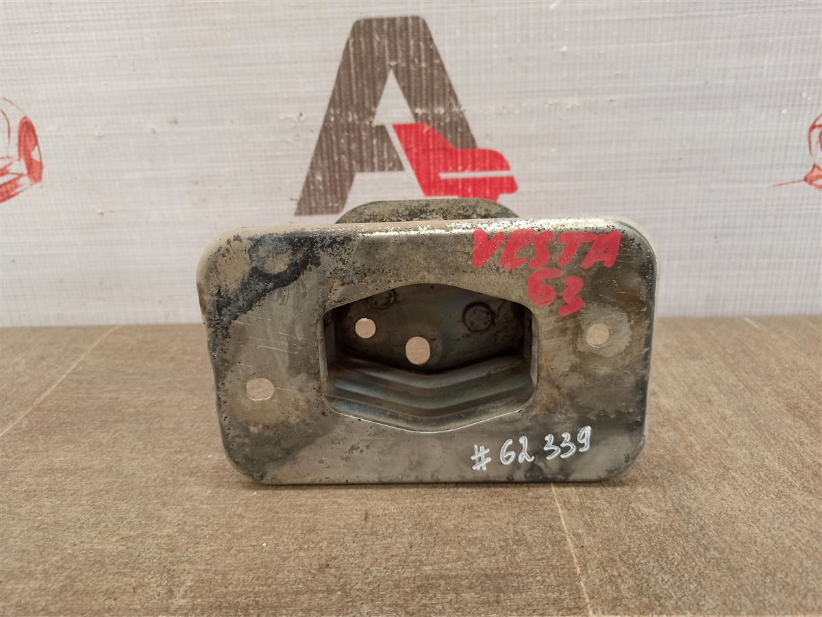 Усилитель бампера - опорный кронштейн Lada Vesta задний