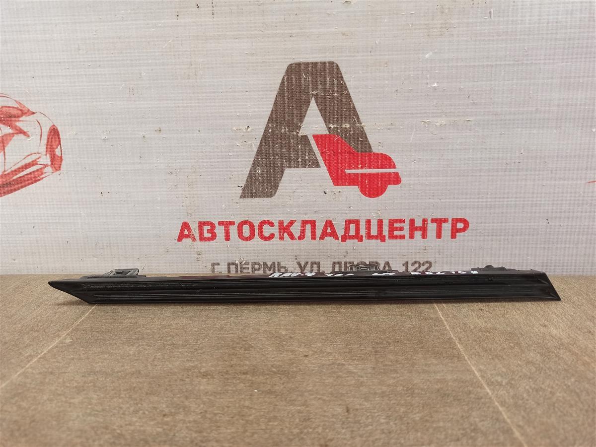 Решетка радиатора - молдинг Toyota Rav-4 (Xa50) 2018-Н.в. левая