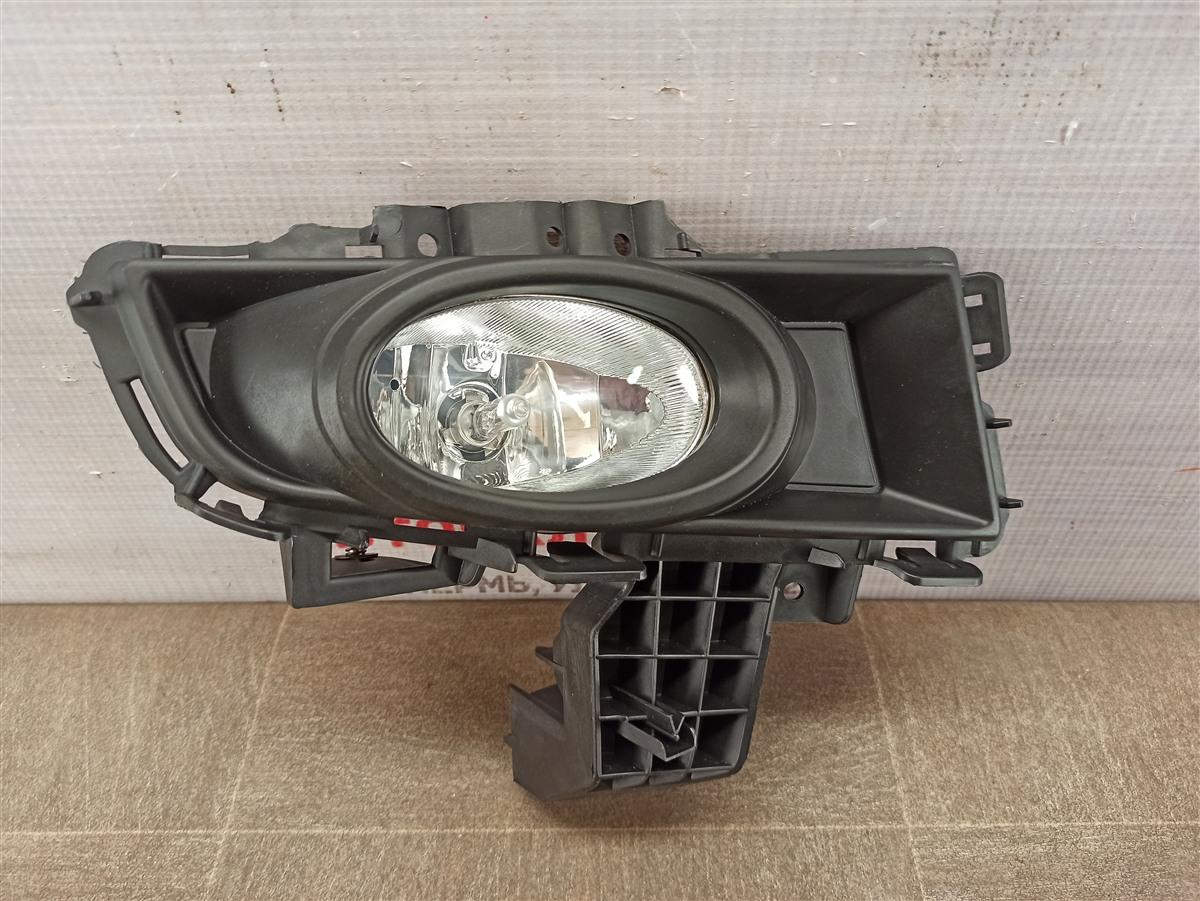 Фара противотуманная / дхо Mazda Mazda 3 (Bk) 2003-2009 2006 правая