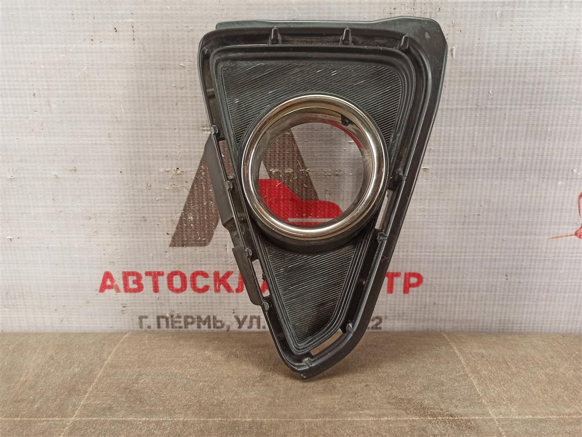 Накладка противотуманной фары / ходового огня Toyota Rav-4 (Xa40) 2012-2019 2015 правая