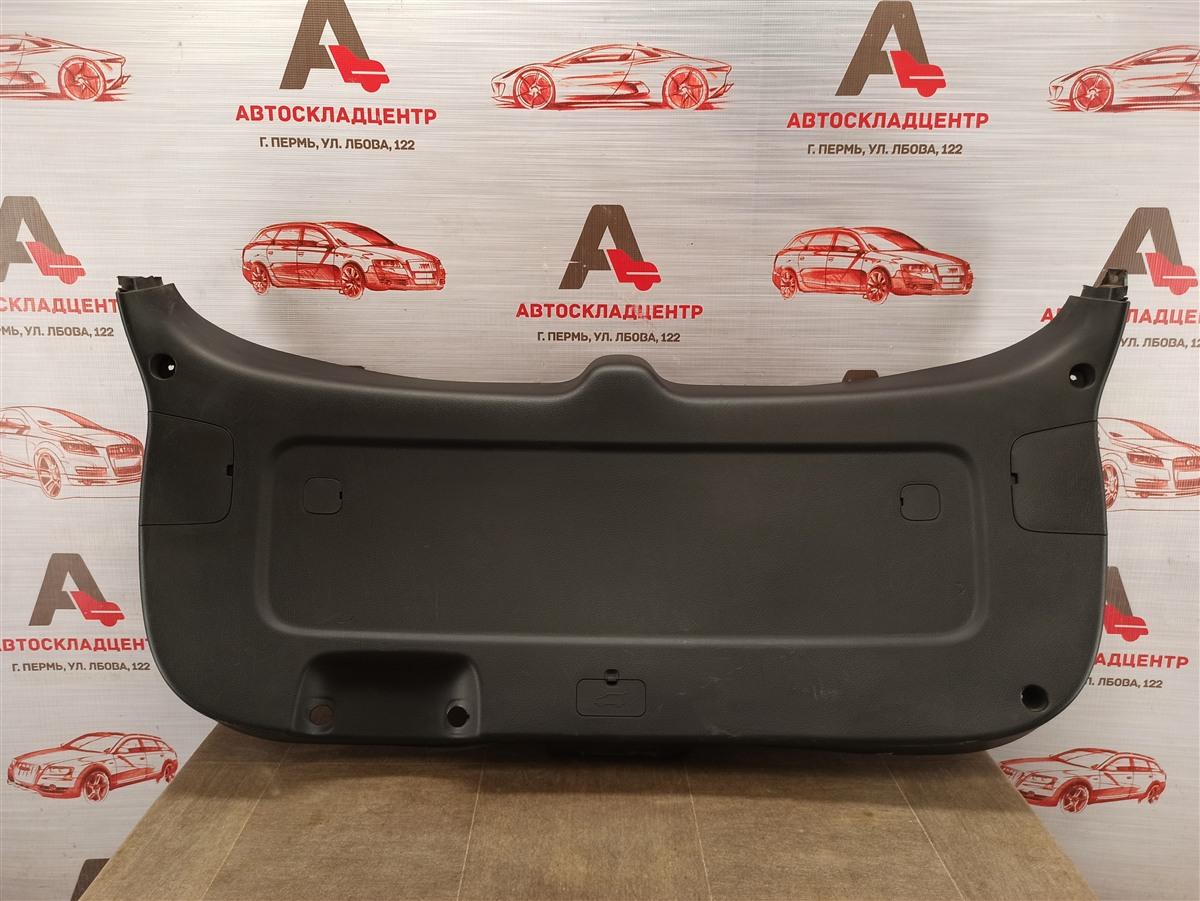 Обшивка двери багажника Kia Sorento (2009-Н.в.) 2012