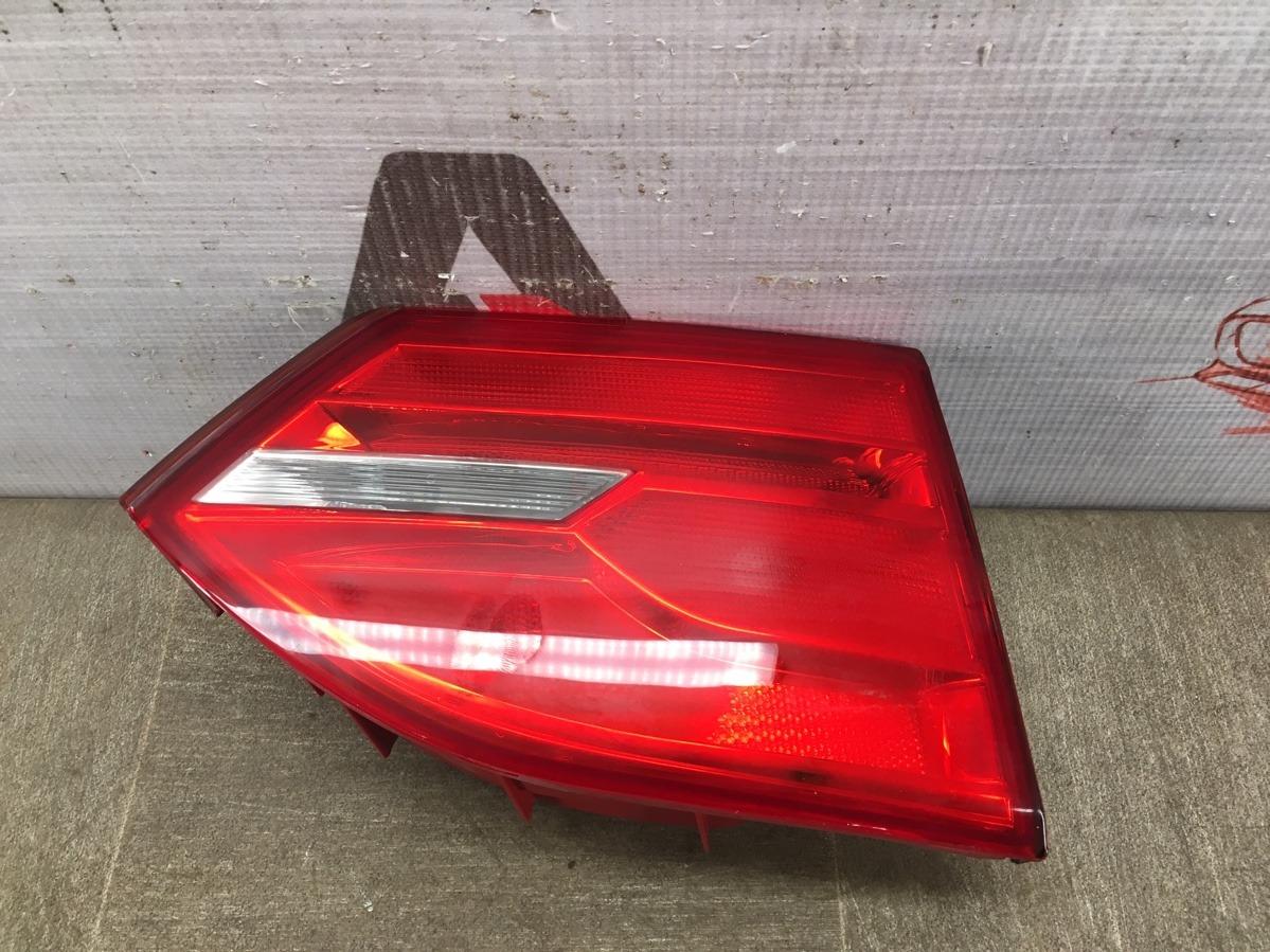 Фонарь левый - вставка в дверь / крышку багажника Volkswagen Jetta (Mk6) 2010-2019 2010