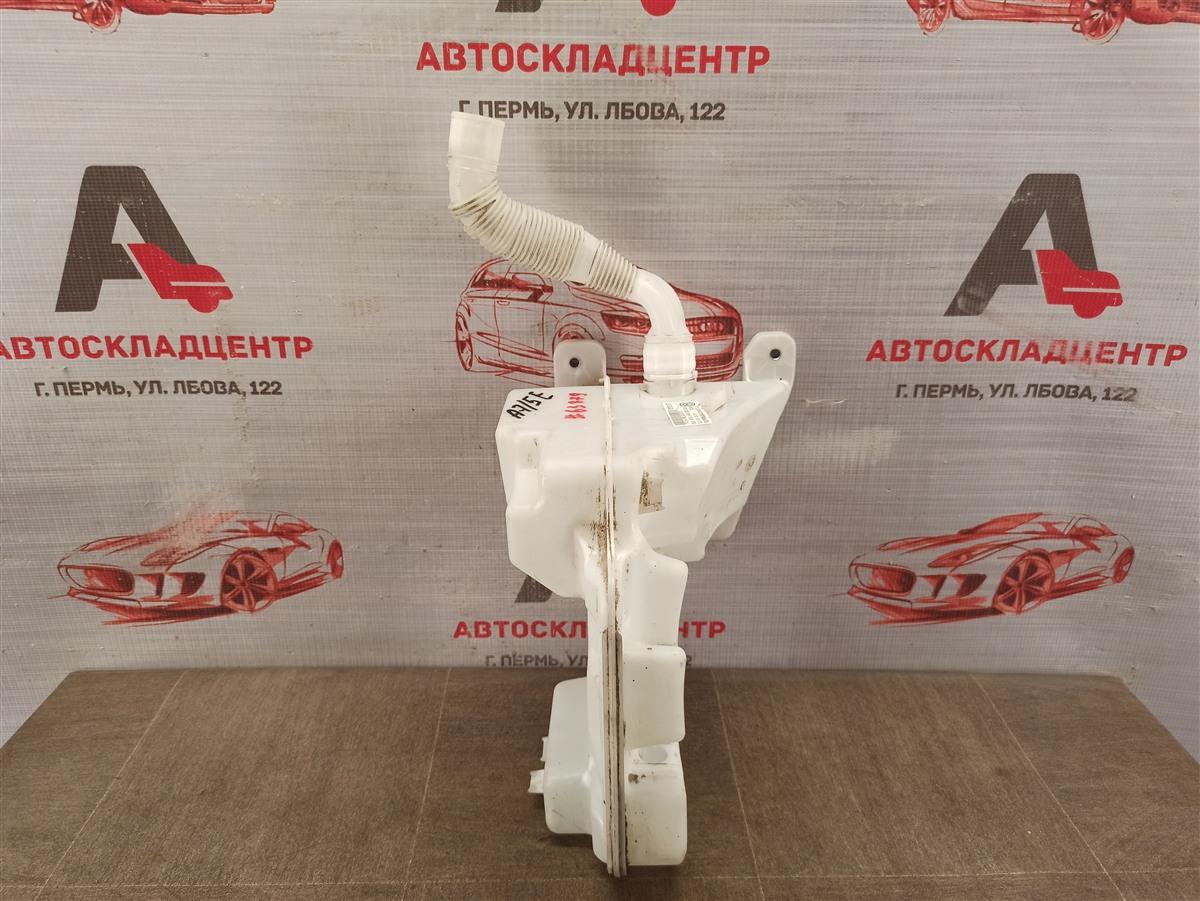 Бачок омывателя Skoda Octavia (2012-2020)