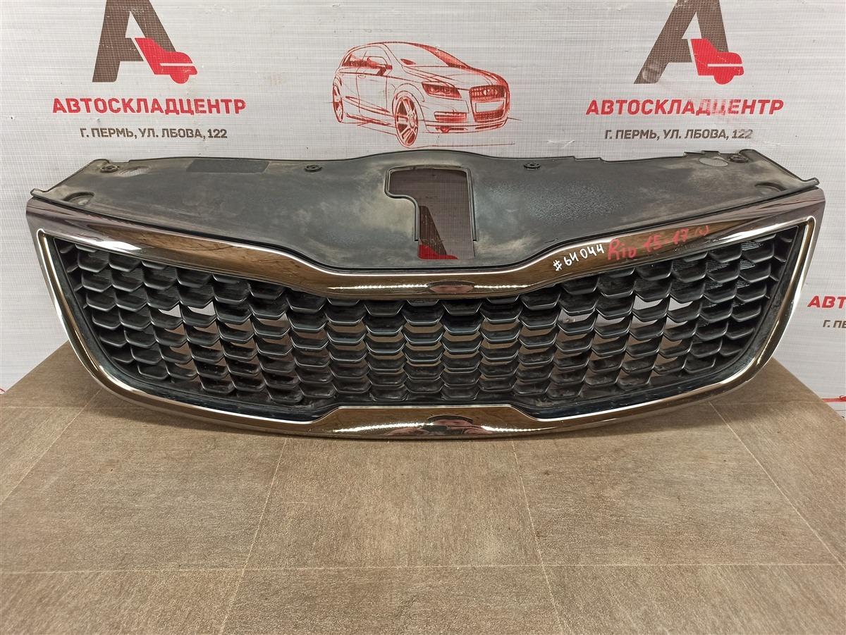 Решетка радиатора Kia Rio (2011-2017) 2015