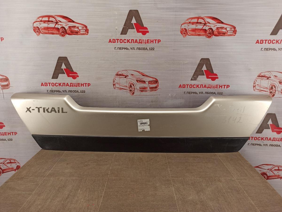 Накладка / молдинг двери багажника Nissan X-Trail (2007-2015)