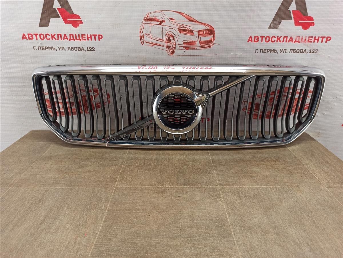 Решетка радиатора Volvo Xc40 (2017-Н.в.)