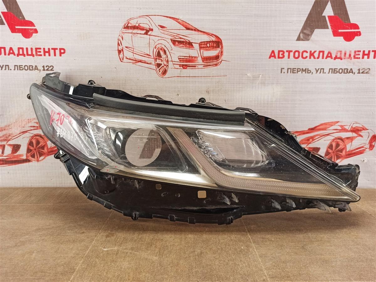 Фара - стекло Toyota Camry (Xv70) 2017-Н.в. правая