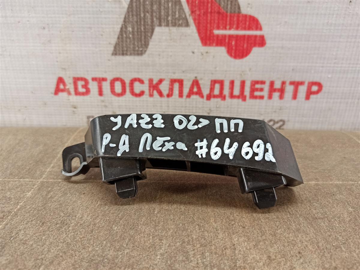 Кронштейн бампера переднего боковой Honda Jazz/fit (2001-2009) правый