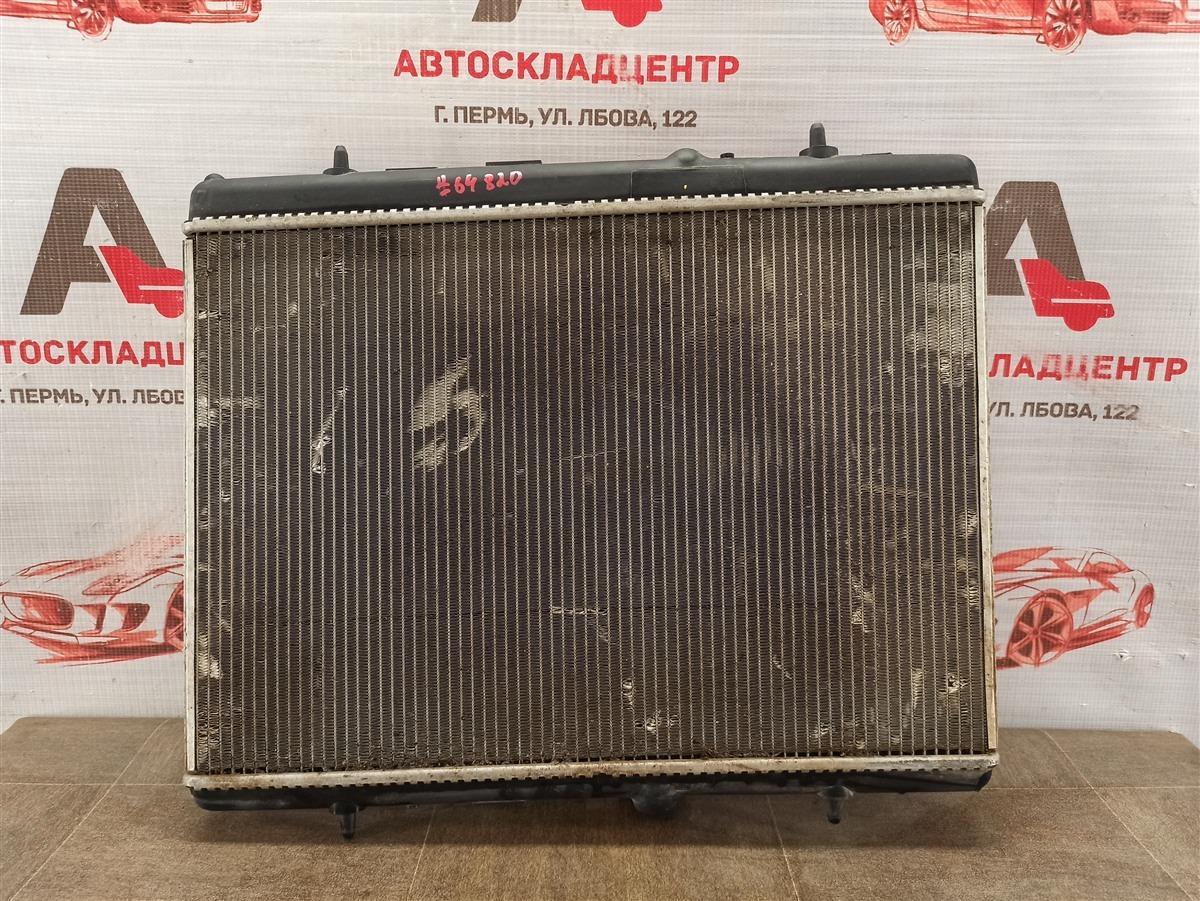 Радиатор охлаждения двигателя Citroen C4 2010-Н.в.