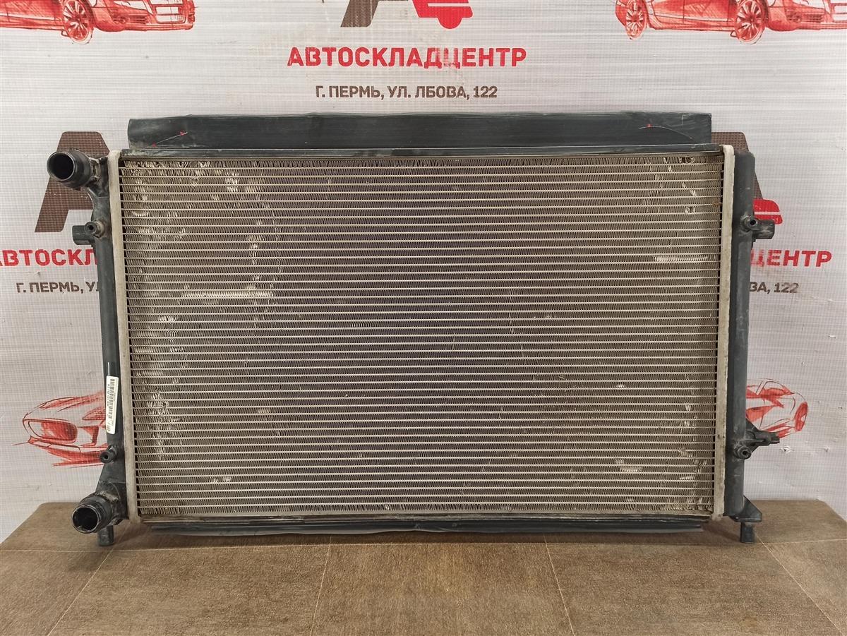 Радиатор охлаждения двигателя Skoda Octavia (2004-2013)