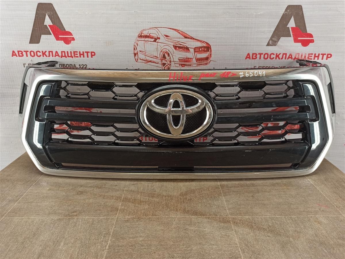 Решетка радиатора Toyota Hilux (2015-Н.в.) 2017
