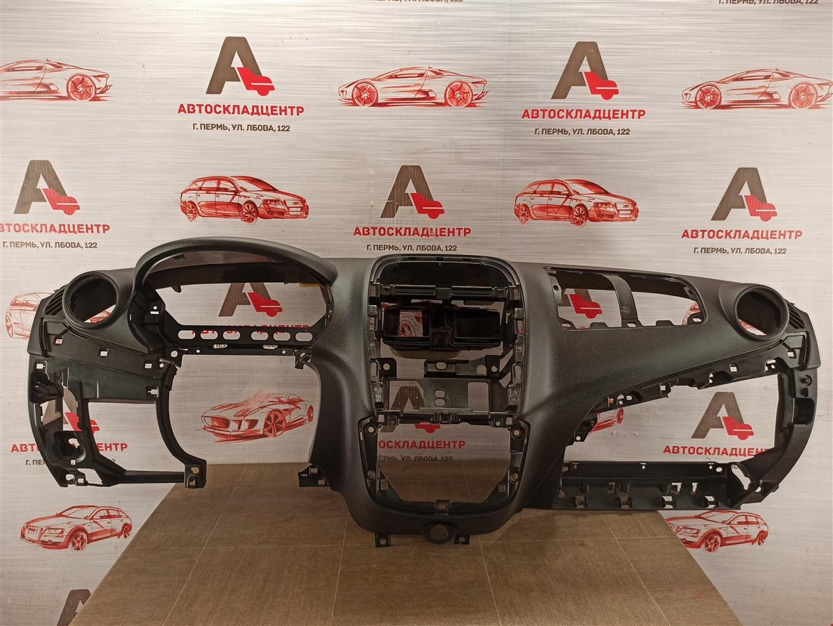 Торпедо - передняя панель салона Lada Granta
