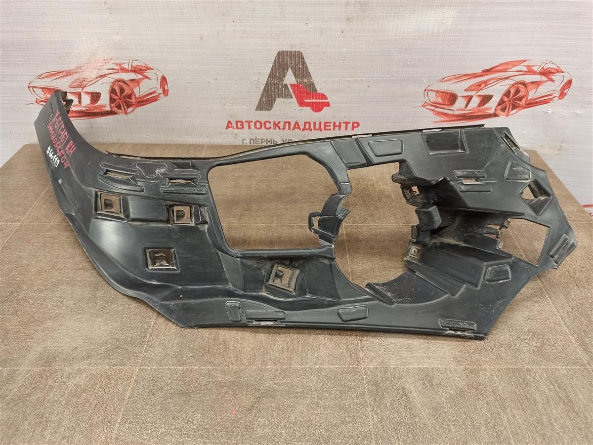 Кронштейн противотуманной фары / ходового огня Bmw X6-Series (F16) 2014-2019 правый