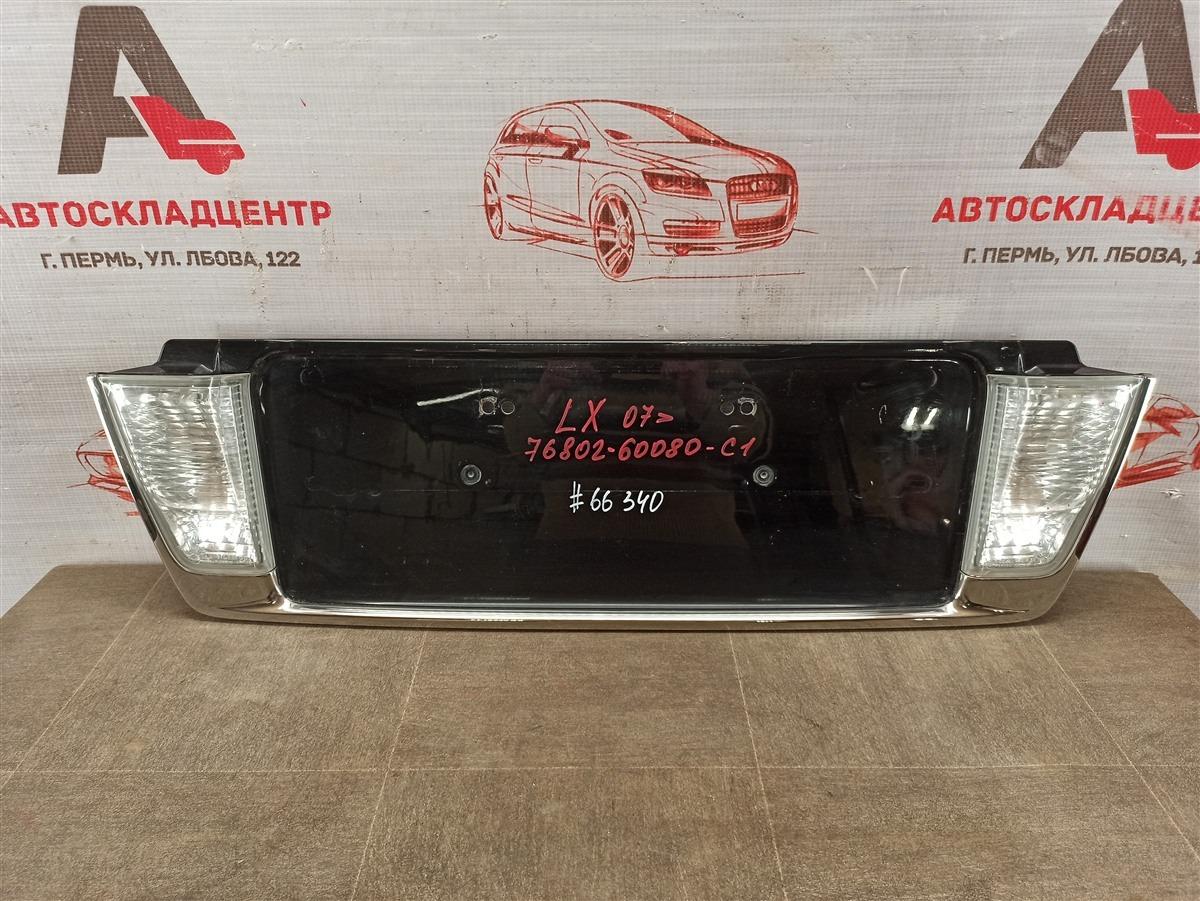 Накладка / молдинг двери багажника Lexus Lx -Series 2007-Н.в.
