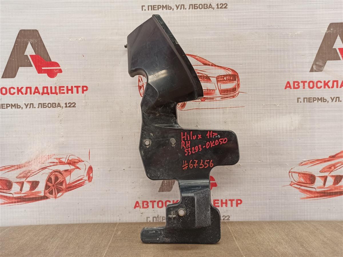 Дефлектор воздушного потока основного радиатора Toyota Hilux (2011-2015) правый