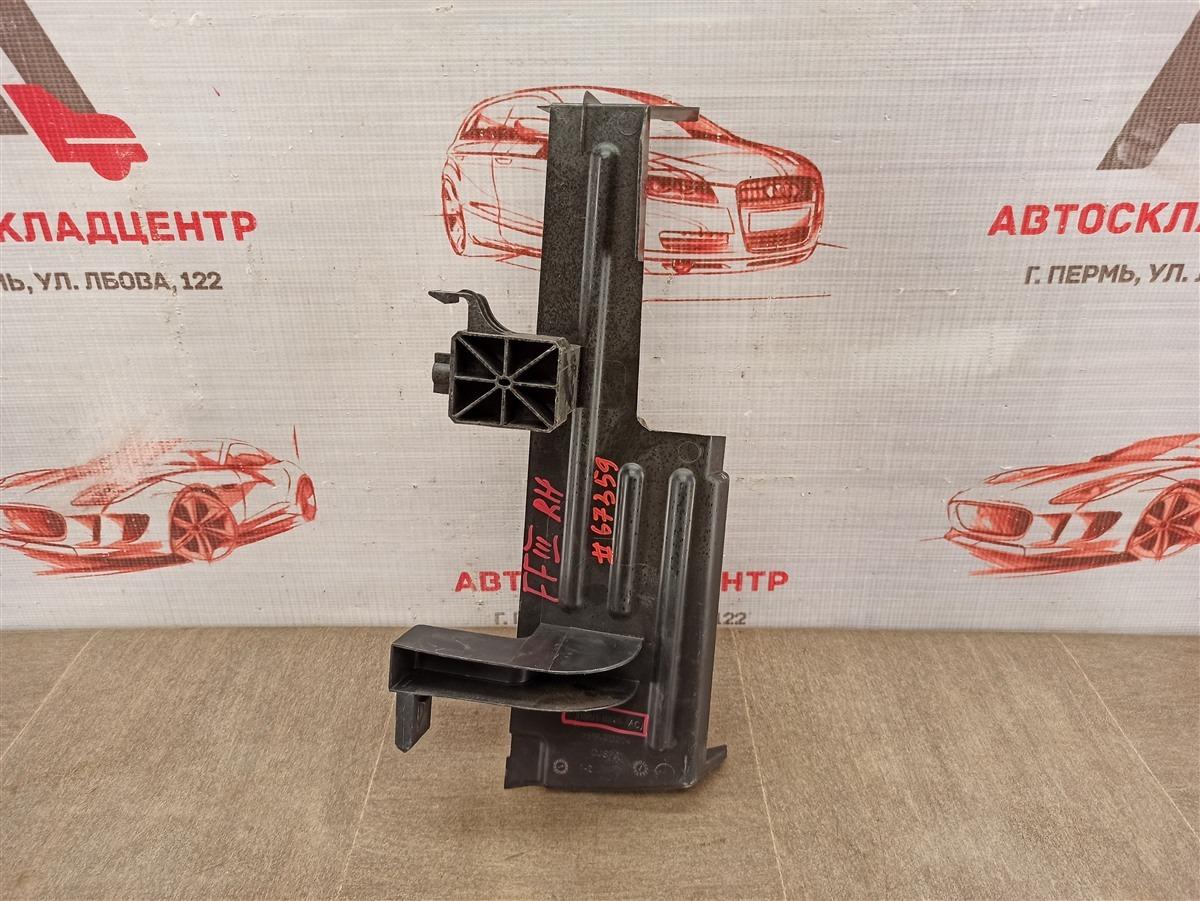 Дефлектор воздушного потока основного радиатора Ford Focus 3 2010-2019 2010 правый