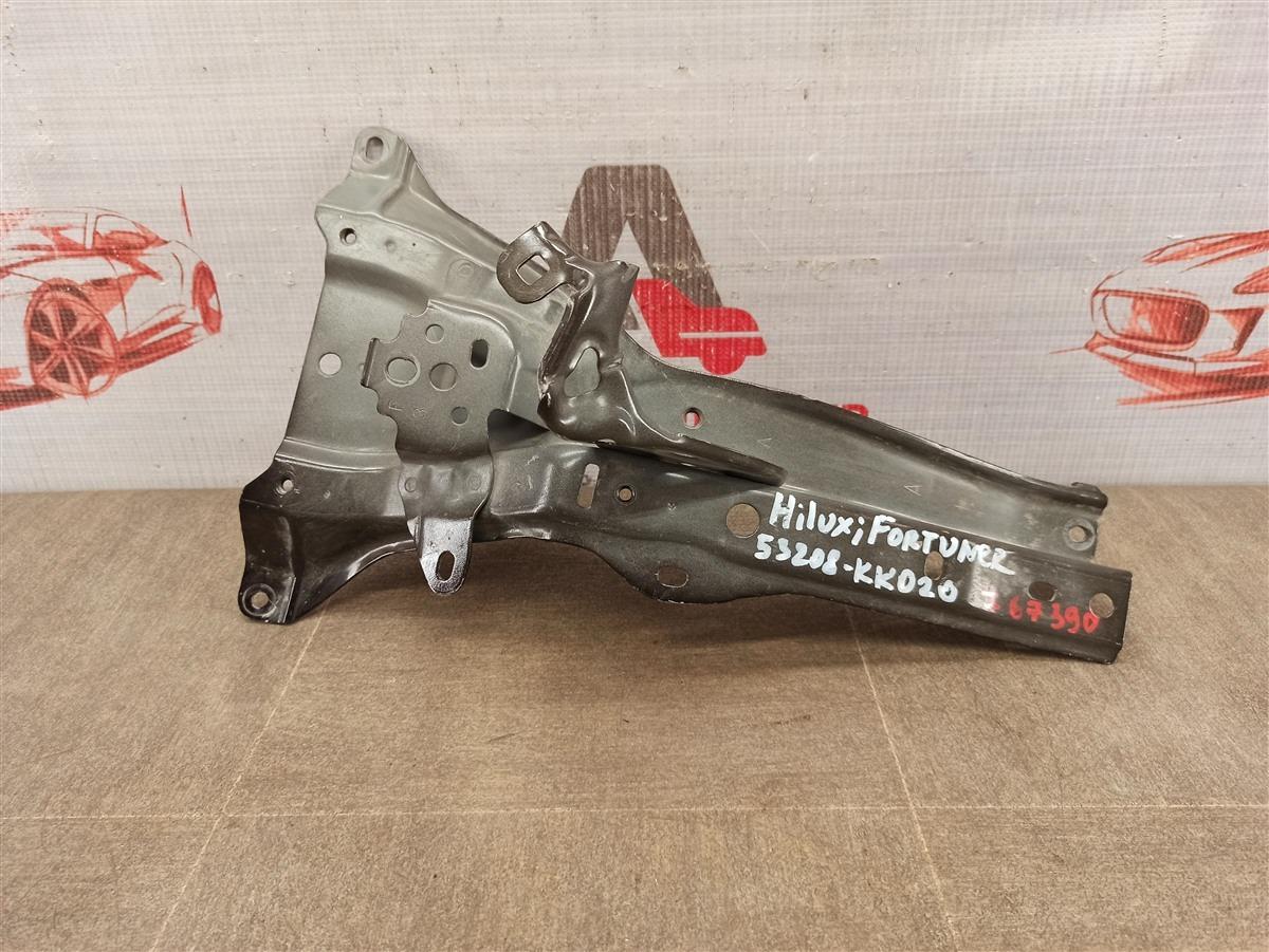 Кронштейн (стойка) замка капота Toyota Hilux (2015-Н.в.)