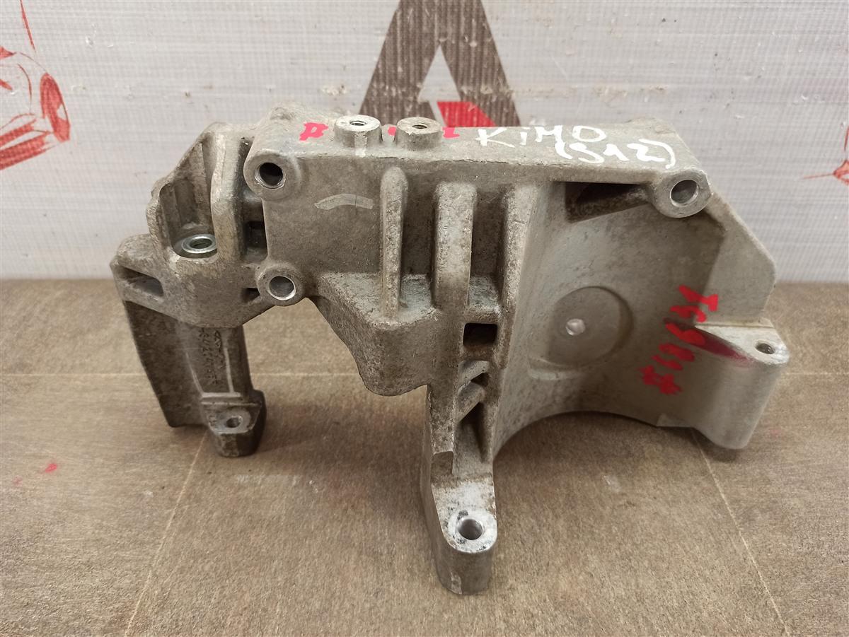 Компрессор (насос) кондиционера - крепежный кронштейн Chery Kimo A1 (2008-2015) S12 SQR473F 2008
