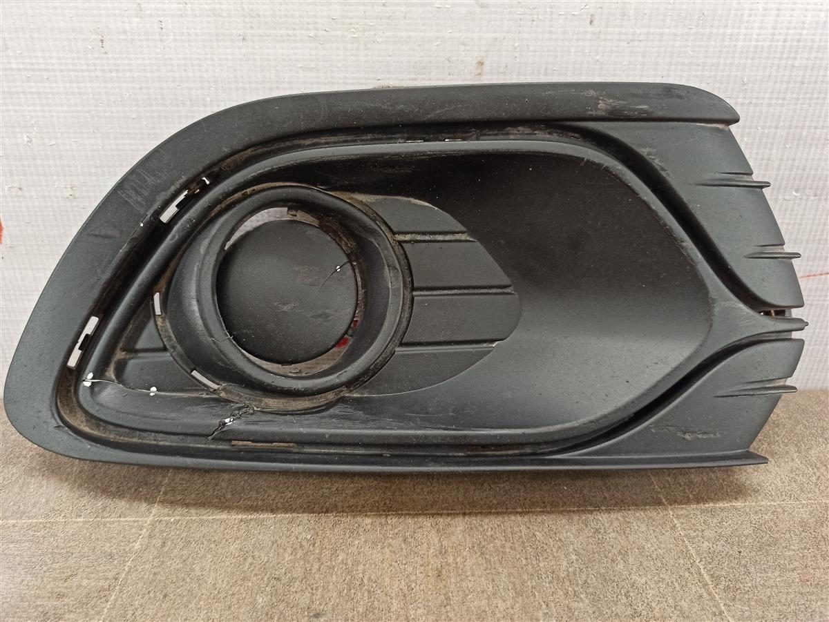 Заглушка противотуманной фары Renault Logan (2014-Н.в.) 2014 правая