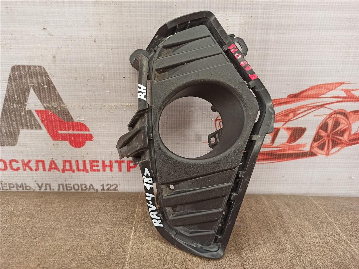 Накладка противотуманной фары / ходового огня Toyota Rav-4 (Xa50) 2018-Н.в. правая