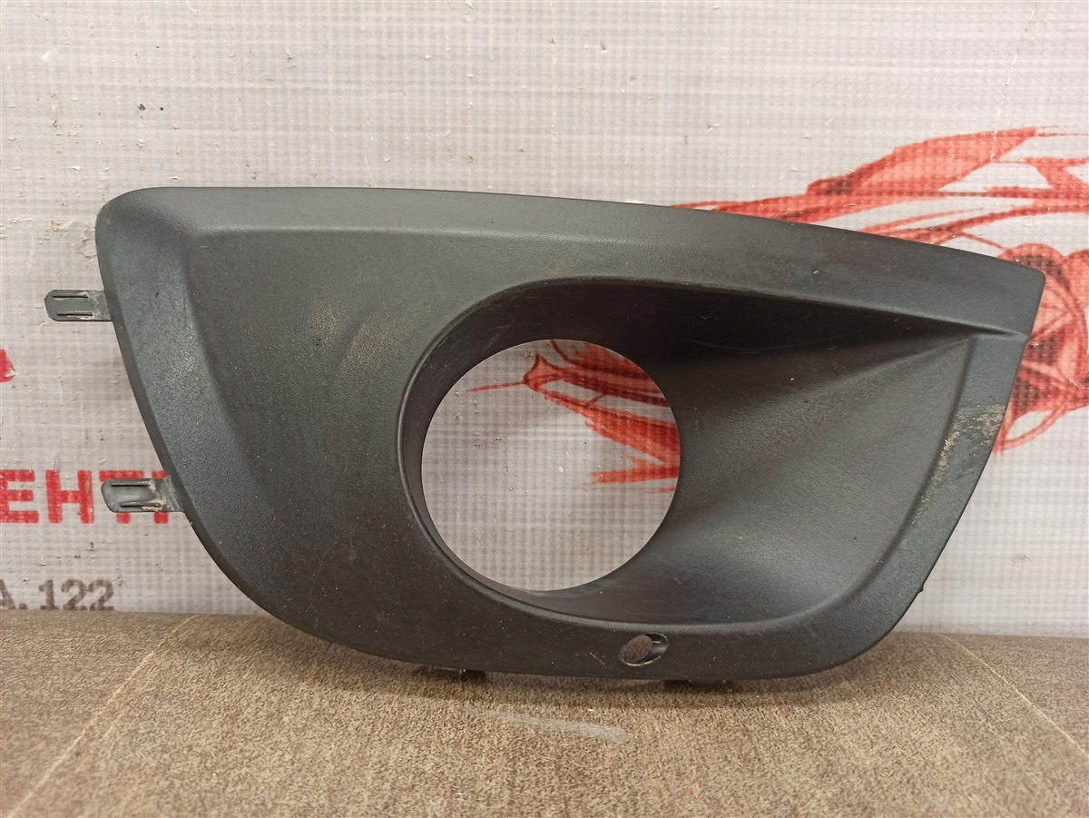 Накладка противотуманной фары / ходового огня Lada Granta 2013 правая