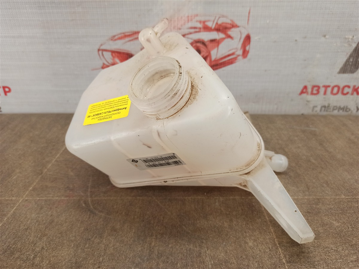 Бачок расширительный системы охлаждения Lada Granta