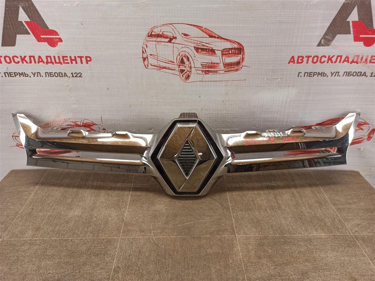 Решетка радиатора - молдинг Renault Duster (2010-Н.в.) 2015