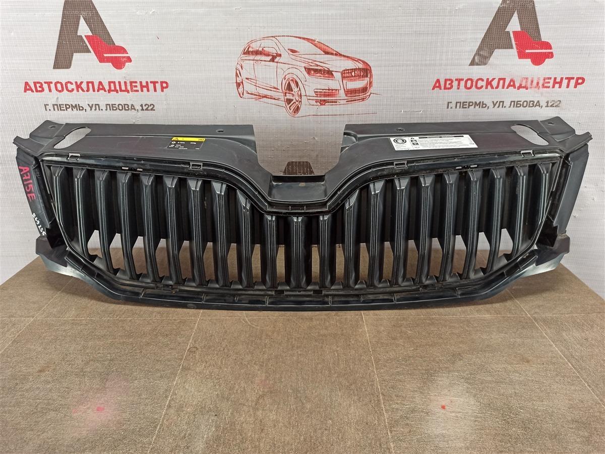 Решетка радиатора Skoda Octavia (2012-2020) 2012