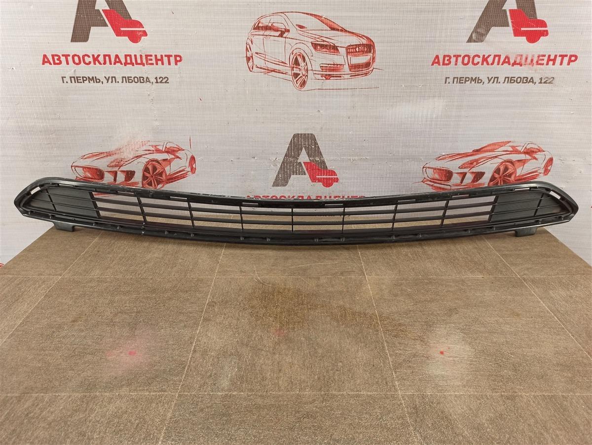 Решетка бампера переднего Toyota Rav-4 (Xa40) 2012-2019 2015 верхняя