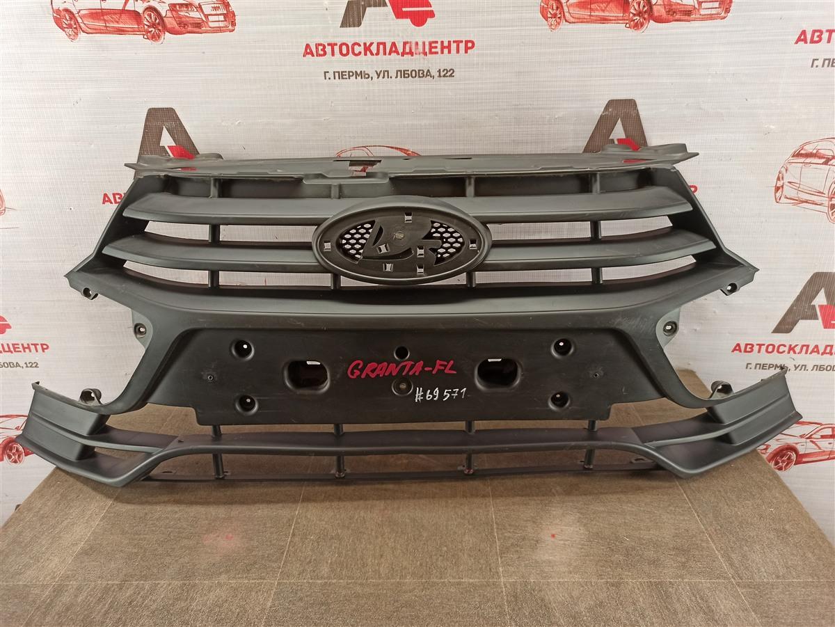 Решетка радиатора Lada Granta 2018