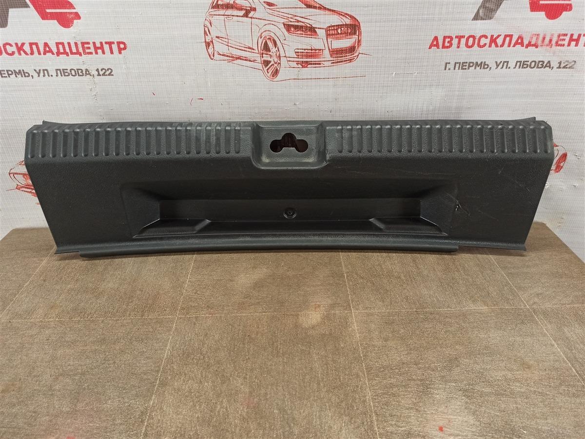 Обшивка багажника - панель задка Volkswagen Polo (Mk5) Седан 2010-2020