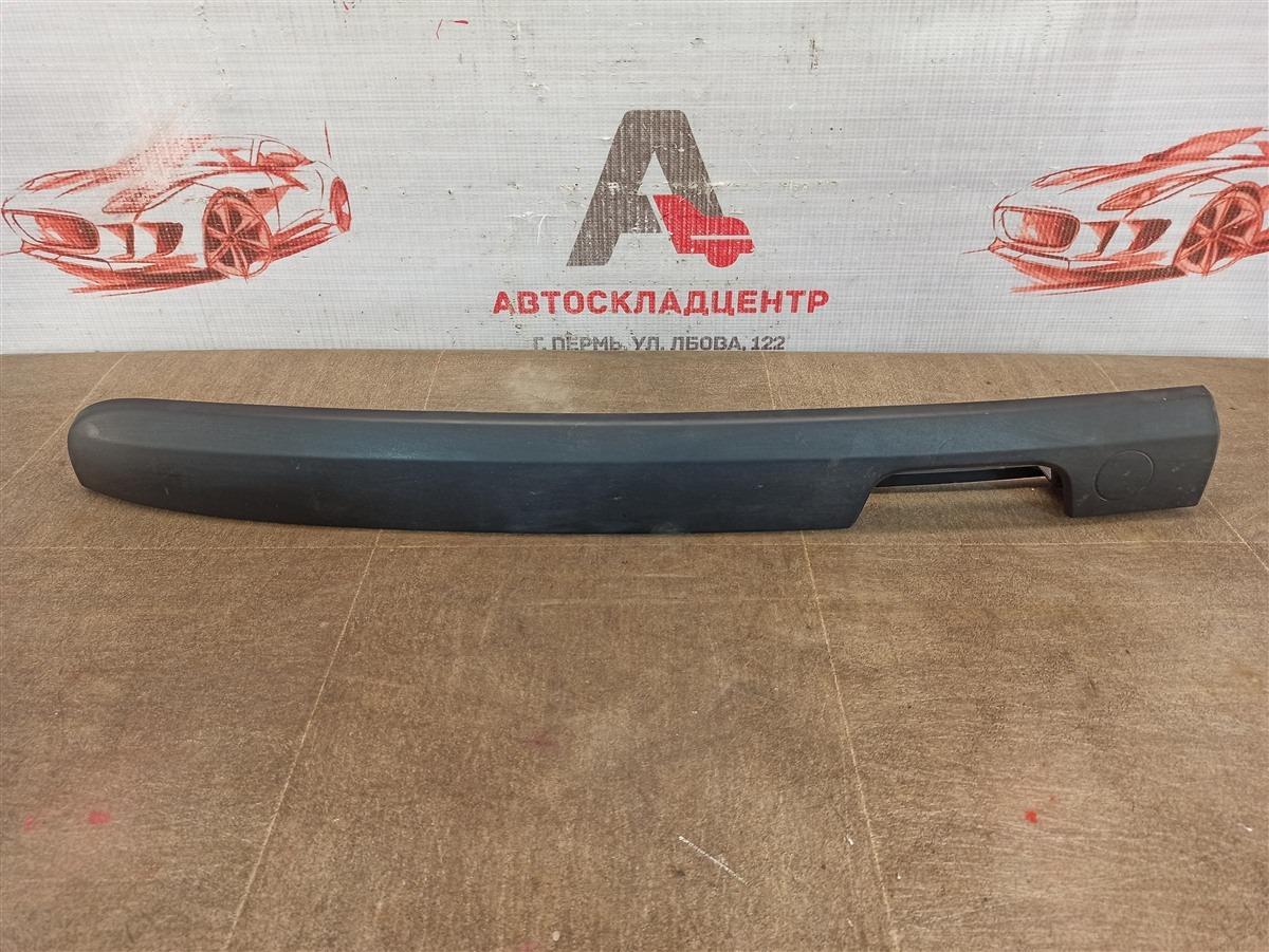Ручка (молдинг) двери багажника Lada Largus левая