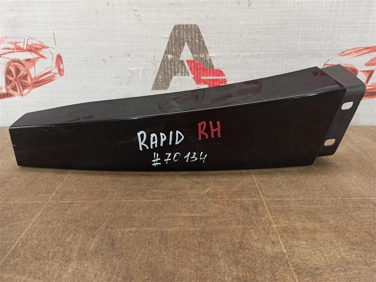 Накладка стойки кузова Skoda Rapid (2012-2020) правая