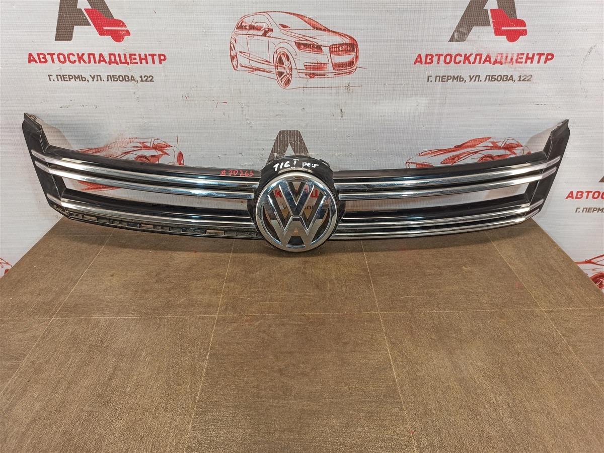 Решетка радиатора - молдинг Volkswagen Tiguan (2007-2017) 2011